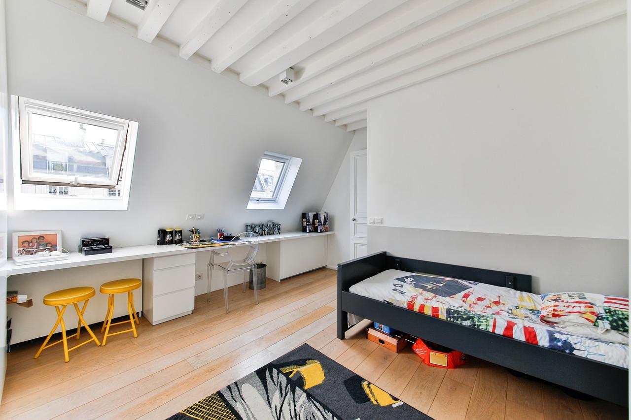Artisan pour créer une pièce sous le toit dans la Drôme